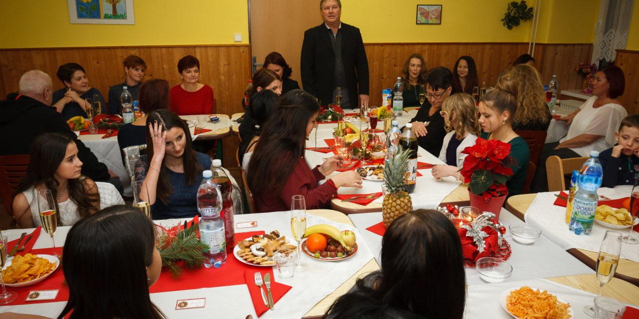 21.12.2020 – Slavnostní vánoční večeře